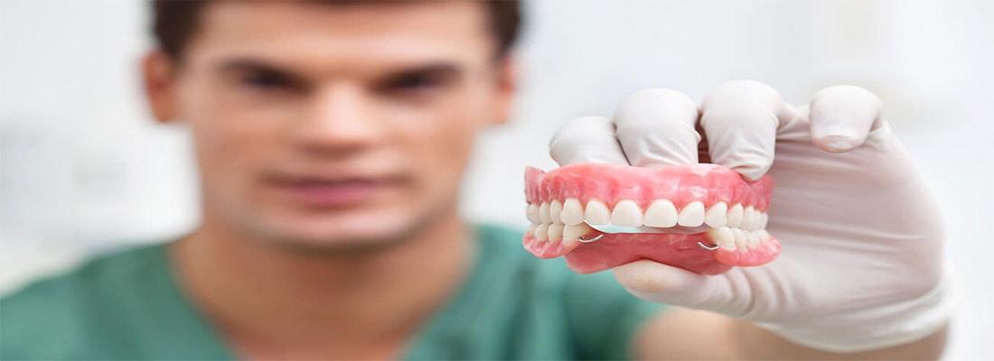 Протезирование зубов для пенсионеров в Симферополе