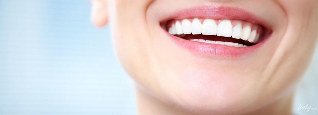 Как профессиональная чистка зубов осветляет улыбку
